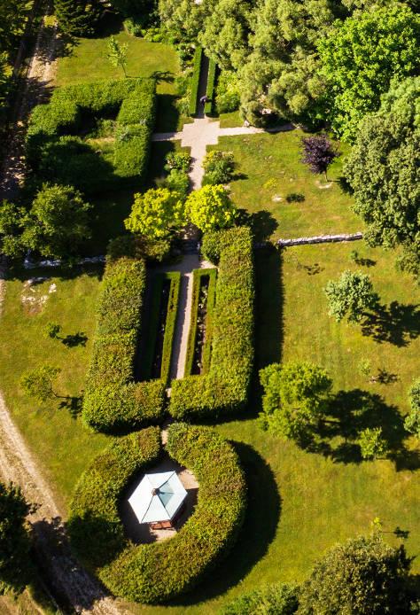 Luftbild Schloss Maierhofen barocker Garten