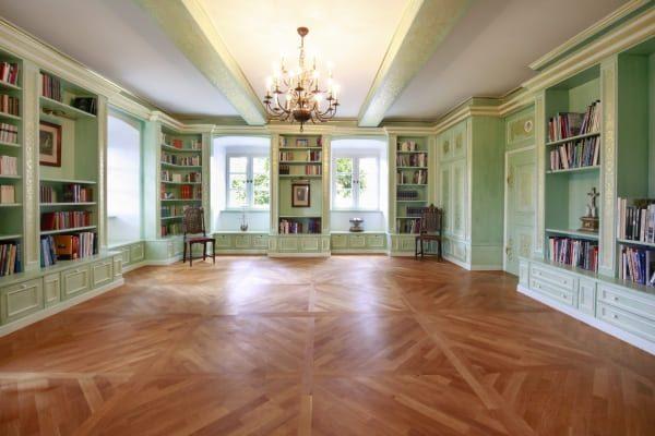 Bibliothek Schloss Maierhofen