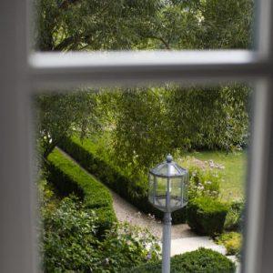 Blick in Barockgarten Schloss Maierhofen