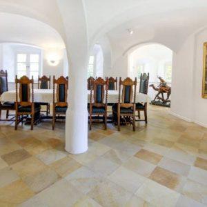 Salon EG mit Gewölbe Schloss Maierhofen